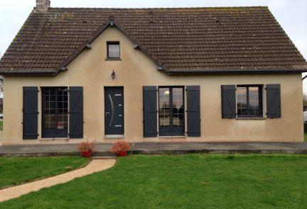 Menuiseries et porte de garage à Quettreville-sur-Sienne